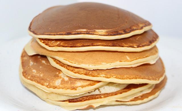 ef31b1072efc1c3e81584d04ee44408be273e4d119b811489cf0_640_pancakes