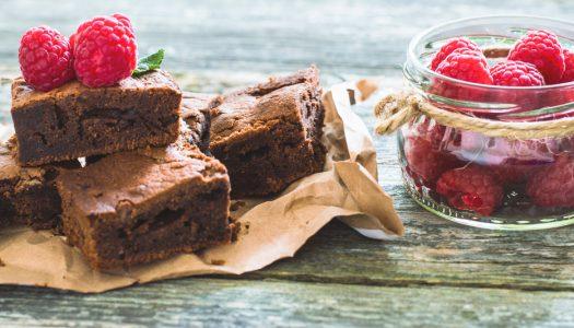 Glutenfri kage med jordbær og marcipan