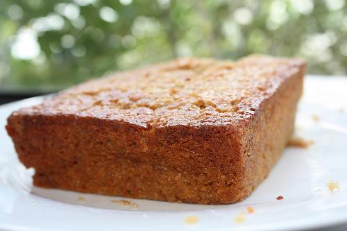 4441676526_031f2c6c65_banana-cake