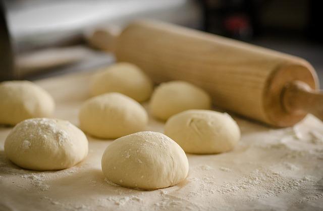 e031b20d2cf11c3e81584d04ee44408be273e4d119b6184190f3_640_pizza-dough